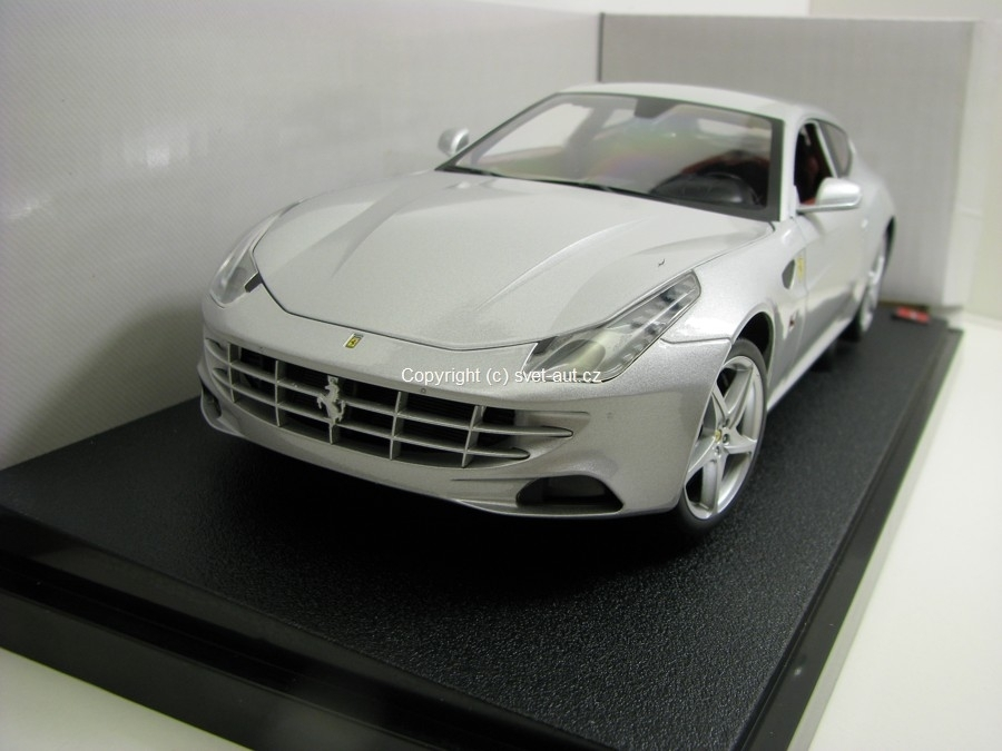 Ferrari FF 2011 silver 1:18 Hot Wheels